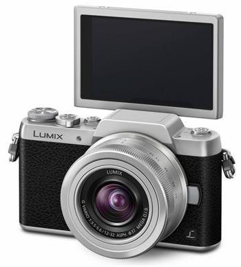 Panasonic DMC-GF7KEG-S, 16 MP + LUMIX 12-32mm, stříbrný/černý