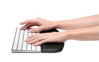Kensington opěrka zápěstí ErgoSoft™ pro nízké, kompaktní klávesnice